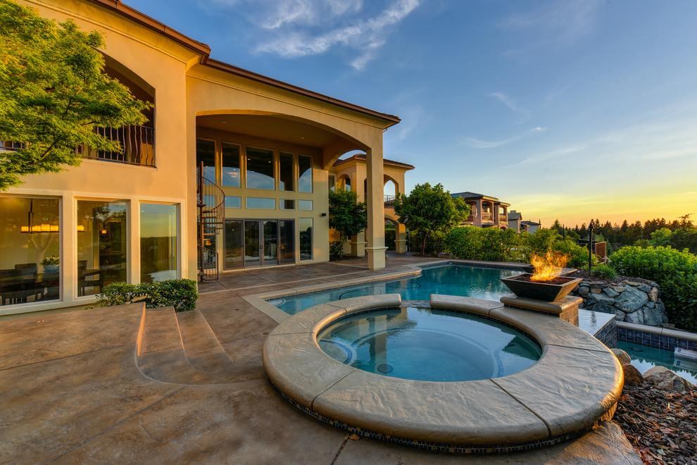mansion pool